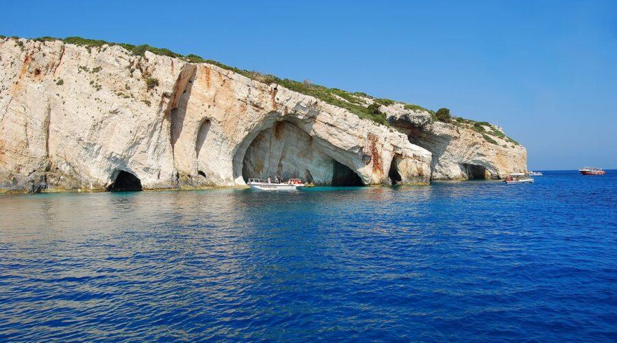 grotte sikinos